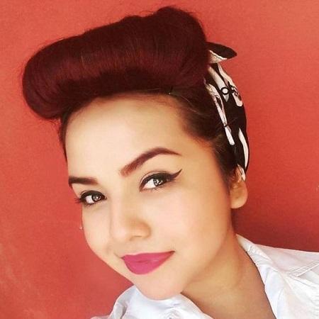coiffure rétro avec bandana