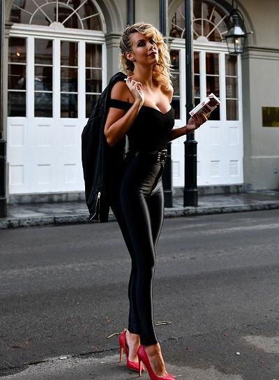 style rétro rock femme Grease